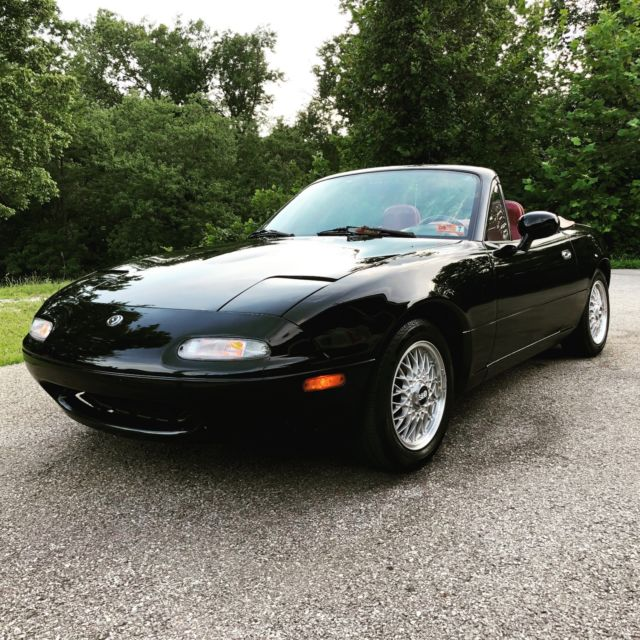 1993 Mazda MX-5 Miata LE (Limited Edition)