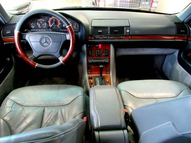 1993 Charcoal Mercedes-Benz 400-Series 400 SEL 4dr Sedan Sedan with Gray interior