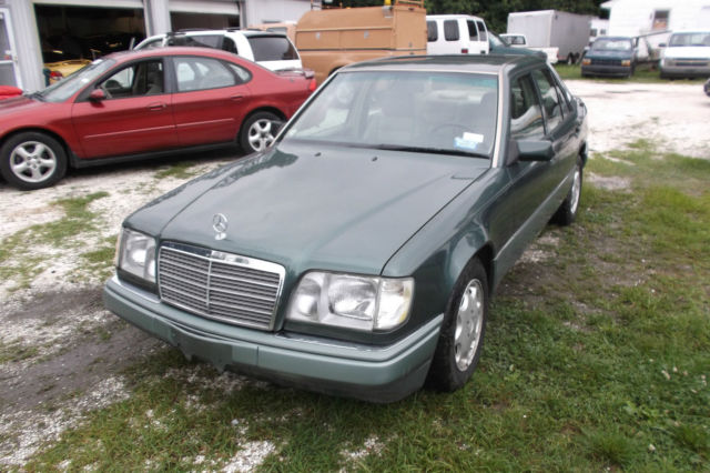 1994 Mercedes-Benz E-Class 1993 Mercedes E320 3.2L 6 Cylinder RWD Drives Good