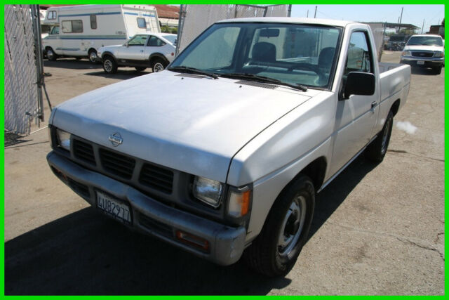 1993 Nissan Pickup Truck 5-Speed Manual 4 Cylinder NO RESERVE