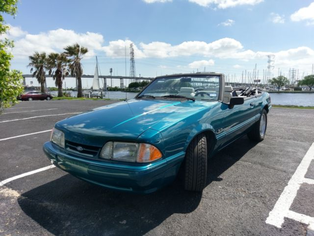 1993 Ford Mustang LX CONVERTIBLE