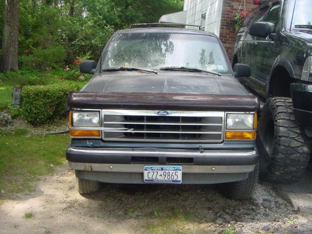 1993 V6 4x4 Ford Explorer 12 Disc Changer Moon Roof Fully