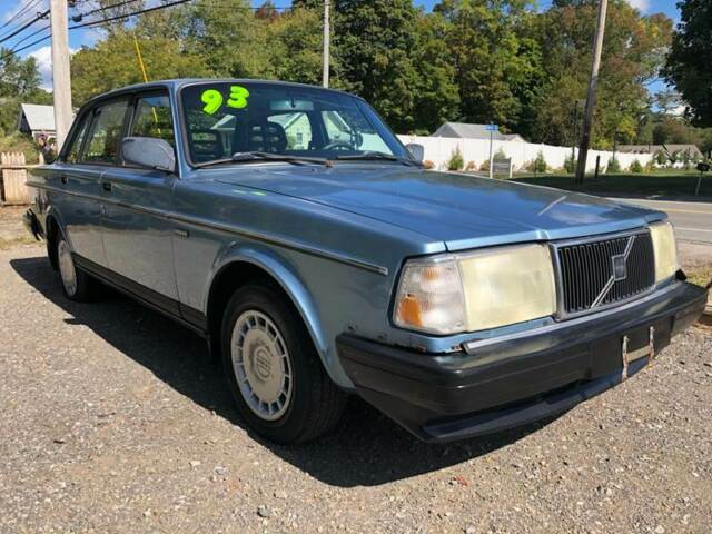 1993 VOLVO 240 SEDAN...LAST YEAR FOR THE CAR THAT MADE VOLVO FAMOUS!!!