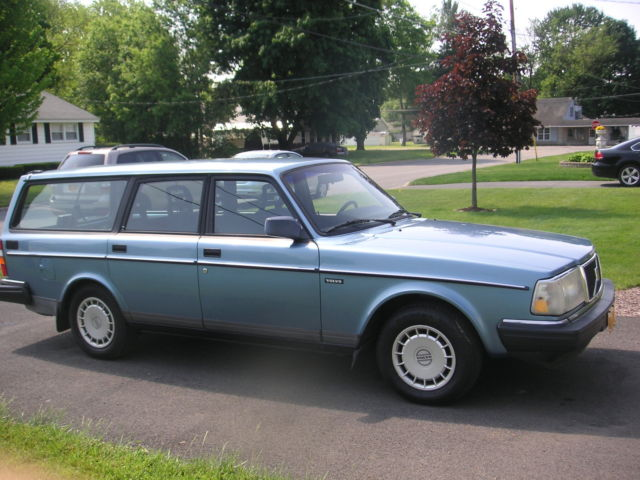 1993 volvo 240 wagon low mileage 5 speed for sale photos technical specifications description. Black Bedroom Furniture Sets. Home Design Ideas