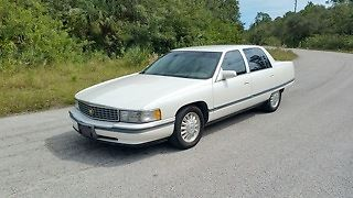 1994 Cadillac Fleetwood Base 4dr Sedan