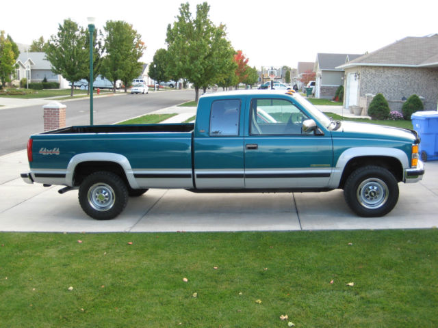 1994 Chevrolet C/K Pickup 2500 Silverado 2500 HD 4x4 Club Cab/Ext. Cab Long Bed