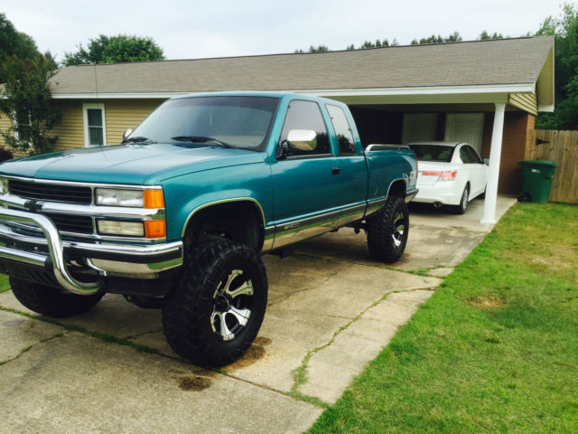 1994 chevrolet silverado z71 lifted clean low miles for sale photos technical specifications. Black Bedroom Furniture Sets. Home Design Ideas