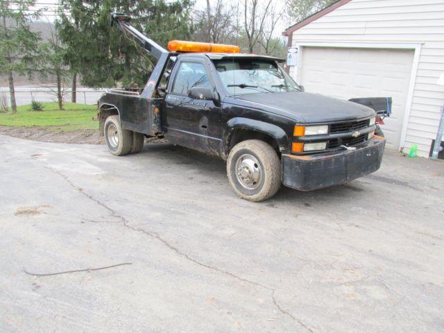 1994 chevy 3500 4x4 wrecker truck with Vulcan wrecker and