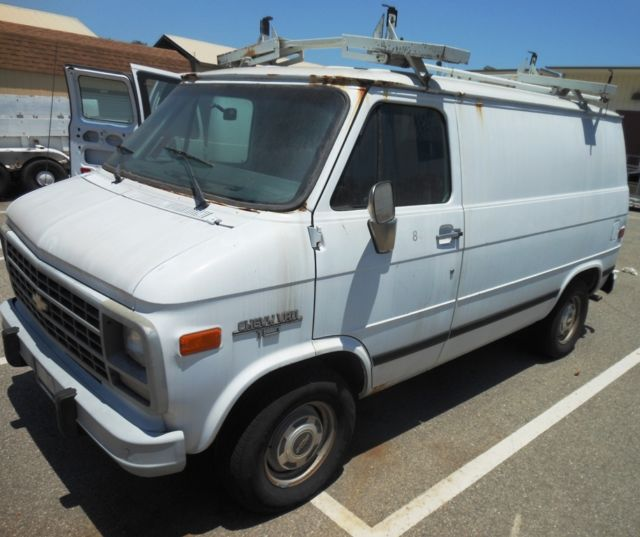 1994 CHEVY G10 Cargo Van W/Roof Rack   See Details