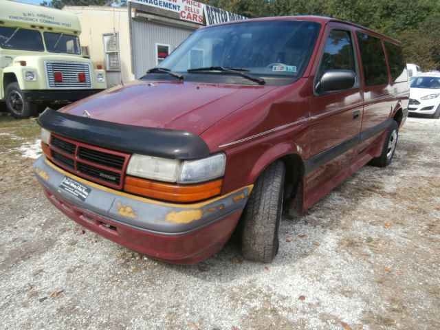 1994 Dodge Grand Caravan 1994 Dodge Grand Caravan SE Wheel chair lift
