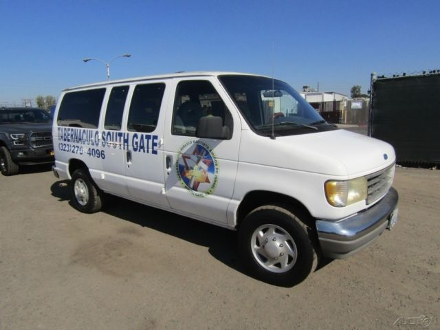1994 White Ford E-Series Van HD Chateau H.D. Wagon with Gray interior