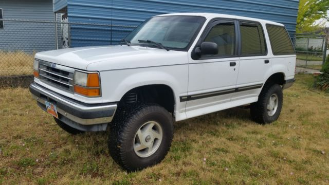 1994 ford explorer xlt 4 inch rough country lift for sale photos technical specifications. Black Bedroom Furniture Sets. Home Design Ideas
