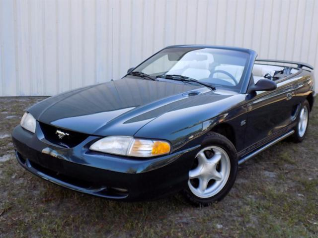 1994 Ford Mustang GT Convertible 2-Door