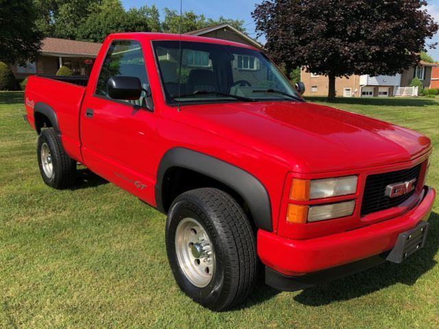 1994 GMC Sierra 1500 2-Door Pickup Truck