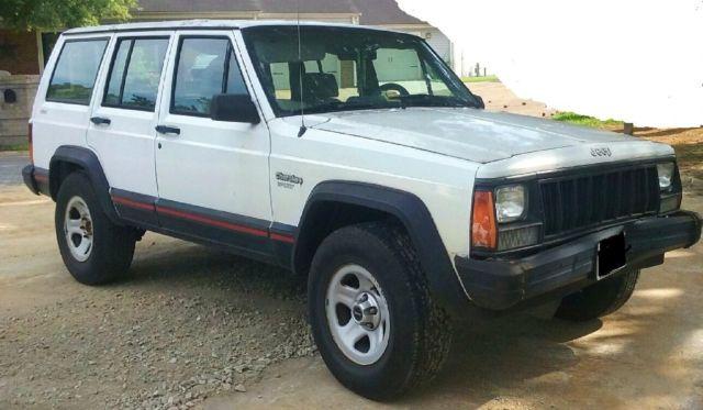1994 Jeep Cherokee Sport  Inline   Door Full Siz