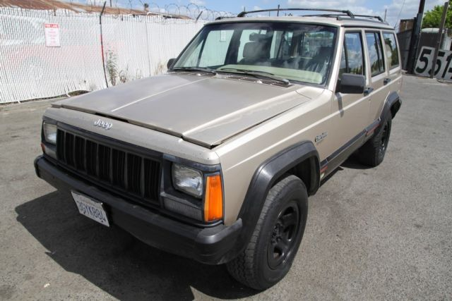 1994 Jeep Cherokee Sport 4WD Automatic 6 Cylinder NO RESERVE
