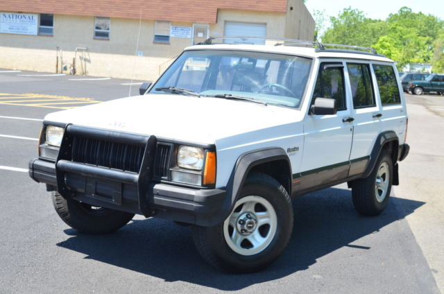 1994 Jeep Cherokee 4dr Sport 4W