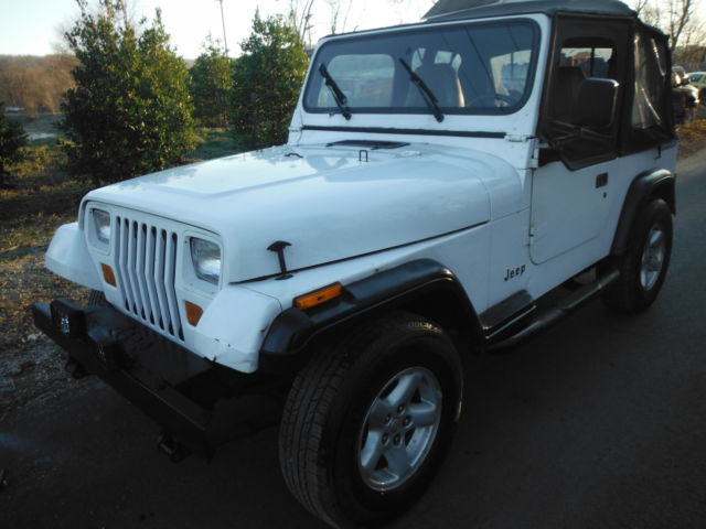 1994 Jeep Wrangler YJ multiple soft tops 4x4 4 cylinder 25