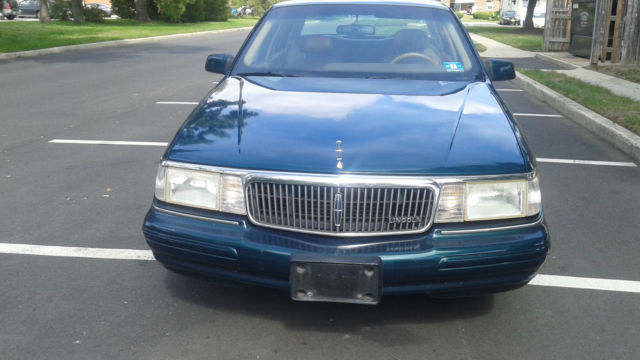 1994 Lincoln Continental Executive Sedan 4-Door