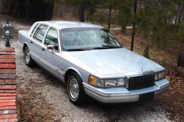 1994 Lincoln Town Car gray leather