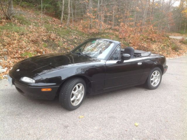 1994 Mazda MX-5 Miata Base Convertible 2-Door