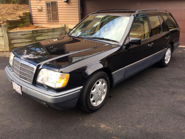 1994 Mercedes Benz E320 Black Station Wagon