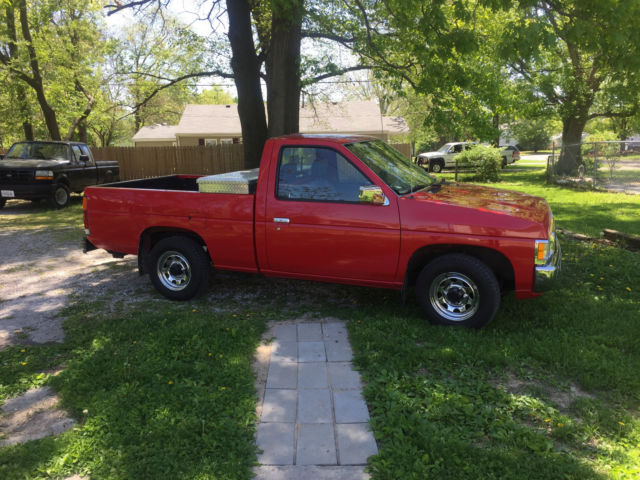 1994 nissan pickup truck for sale photos technical specifications description. Black Bedroom Furniture Sets. Home Design Ideas