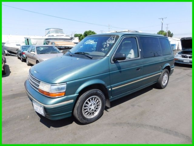 1994 Plymouth Voyager LE