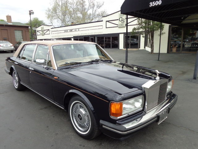 1994 Royal Blue Metallic Rolls-Royce Silver Spirit/Spur/Dawn 4 Door Salon with Tan Leather interior