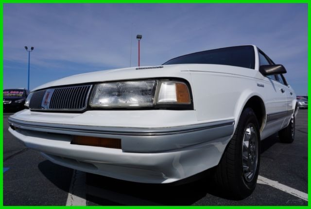 1994 Oldsmobile Cutlass S sedan