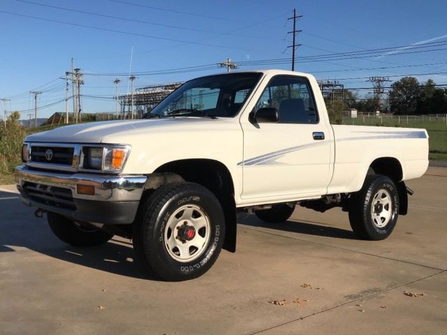 1994 Toyota Pickup Short WB Deluxe