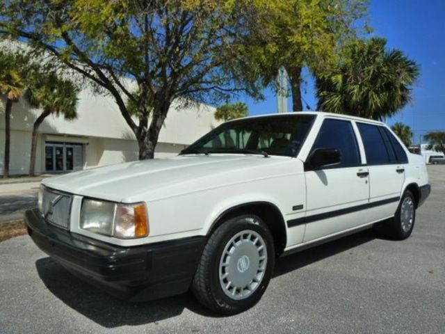 1994 Volvo 940 Level II Turbo 4dr Sedan