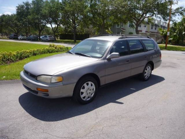 1995 Toyota Camry LE V6 4dr Wagon