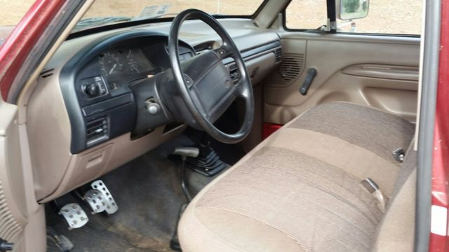1996 Ford Bronco XL - 4WD, 5 speed, cloth interior, red ...