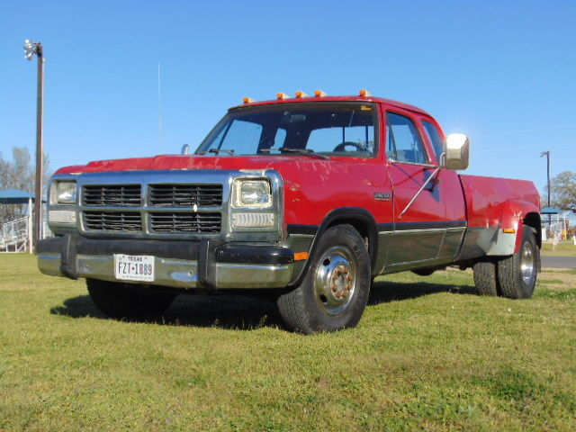 1st gen 1992 dodge d350 dually 5 9 cummins 12 valve diesel flat nose cold a c for sale. Black Bedroom Furniture Sets. Home Design Ideas
