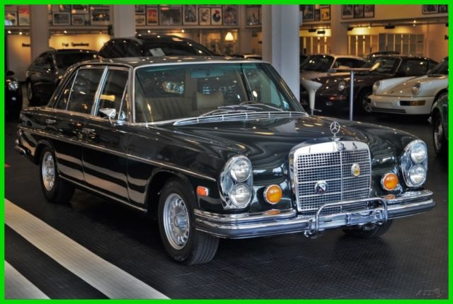 1973 Mercedes-Benz 300-Series