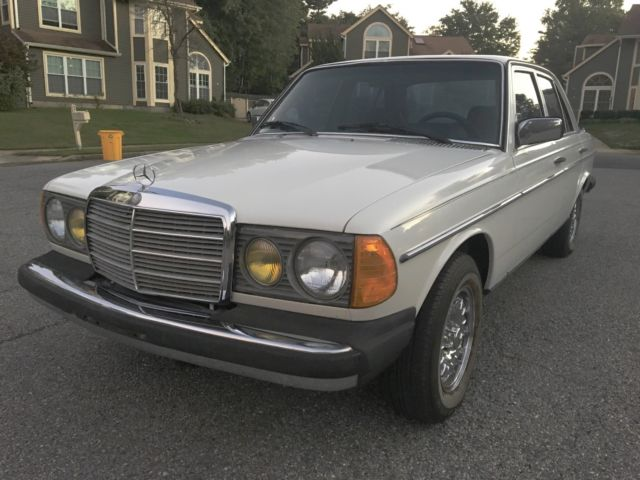 1982 Mercedes-Benz 300-Series 300D LOW ORIGINAL MILE SURVIVOR WELL MAINTAINED