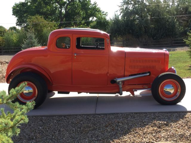 1932 Ford STEEL 5 WINDOW COUPE