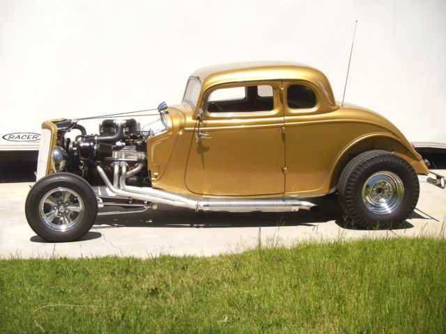 1934 Ford 5 W coupe