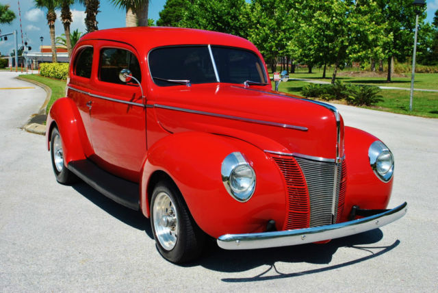 1940 Ford De Luxe Tudor Sedan Custom Street Rod 350 V8 A/C!