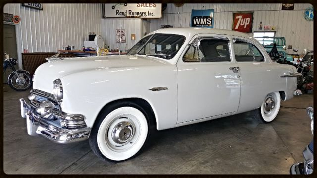 1951 Ford Deluxe Tudor