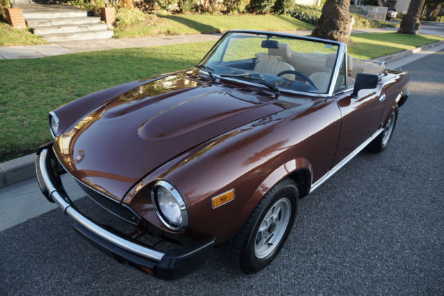 1981 Fiat Spider 2000 ROADSTER Leather