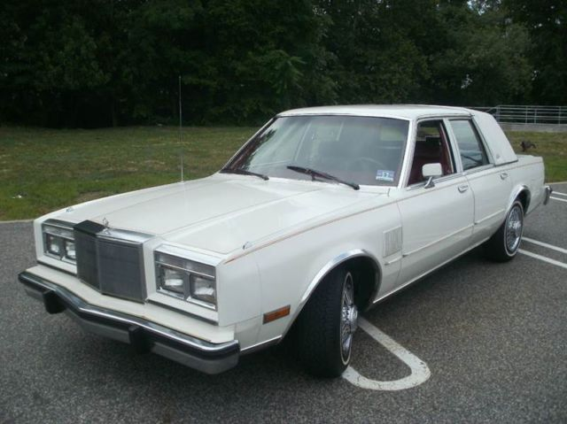 1986 Chrysler New Yorker 4dr Sedan