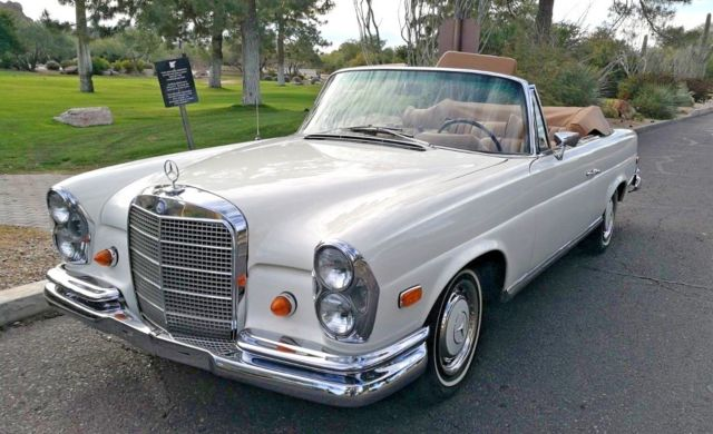 1969 Mercedes-Benz 200-Series SE Cabriolet