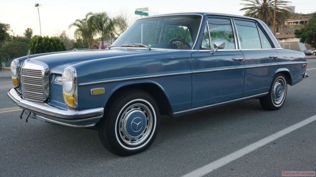 70 mercedes 230 w114 sedan 4 speed manual 250 c w115 for for Mercedes benz 70