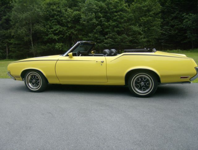 1971 Oldsmobile Cutlass 2 Door