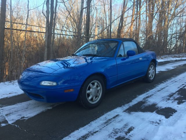 1990 Mazda MX-5 Miata Low Miles, Manual Trans