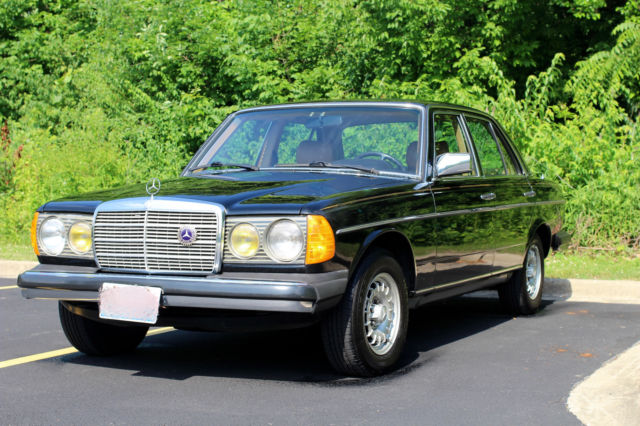 1982 Mercedes-Benz 300-Series