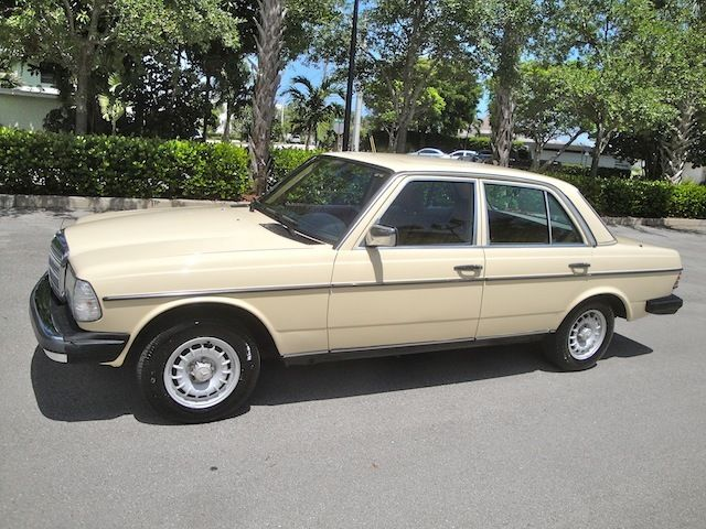 1985 Mercedes-Benz 300-Series 300D X-nice