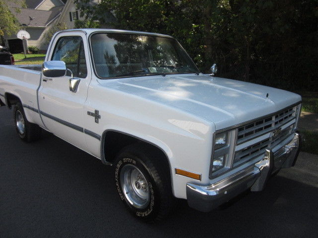 86 chevy shortbed c10 silverado 1 owner 86k miles ac will listen to offers for sale photos. Black Bedroom Furniture Sets. Home Design Ideas